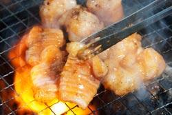 房総ホルモン~千葉のホルモンは醤油で喰らう~(渋谷・宴会・個室・焼肉)の取材記事