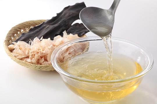 伝えたいレシピ ~ 和食の基本「出汁」の取り方 ~ | 美味案内