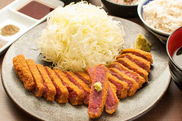 話題の行列グルメ!新宿で食べたい おいしい「牛かつ」のお店