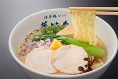 博多鶏ソバ 華味鳥 新宿三井ビル店の取材記事